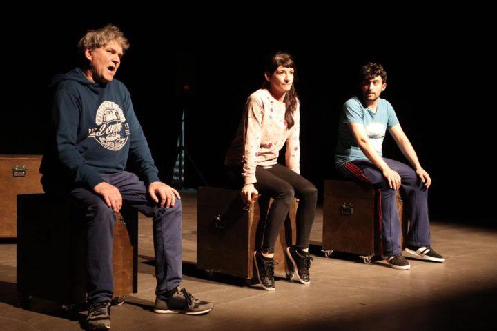 Adc825ff-7755-4ae9-bcc6-72091cf727ed. Aufführung Theater Salto & Mortale