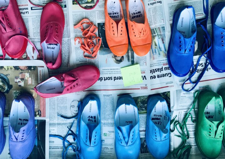 Chaussures colores.